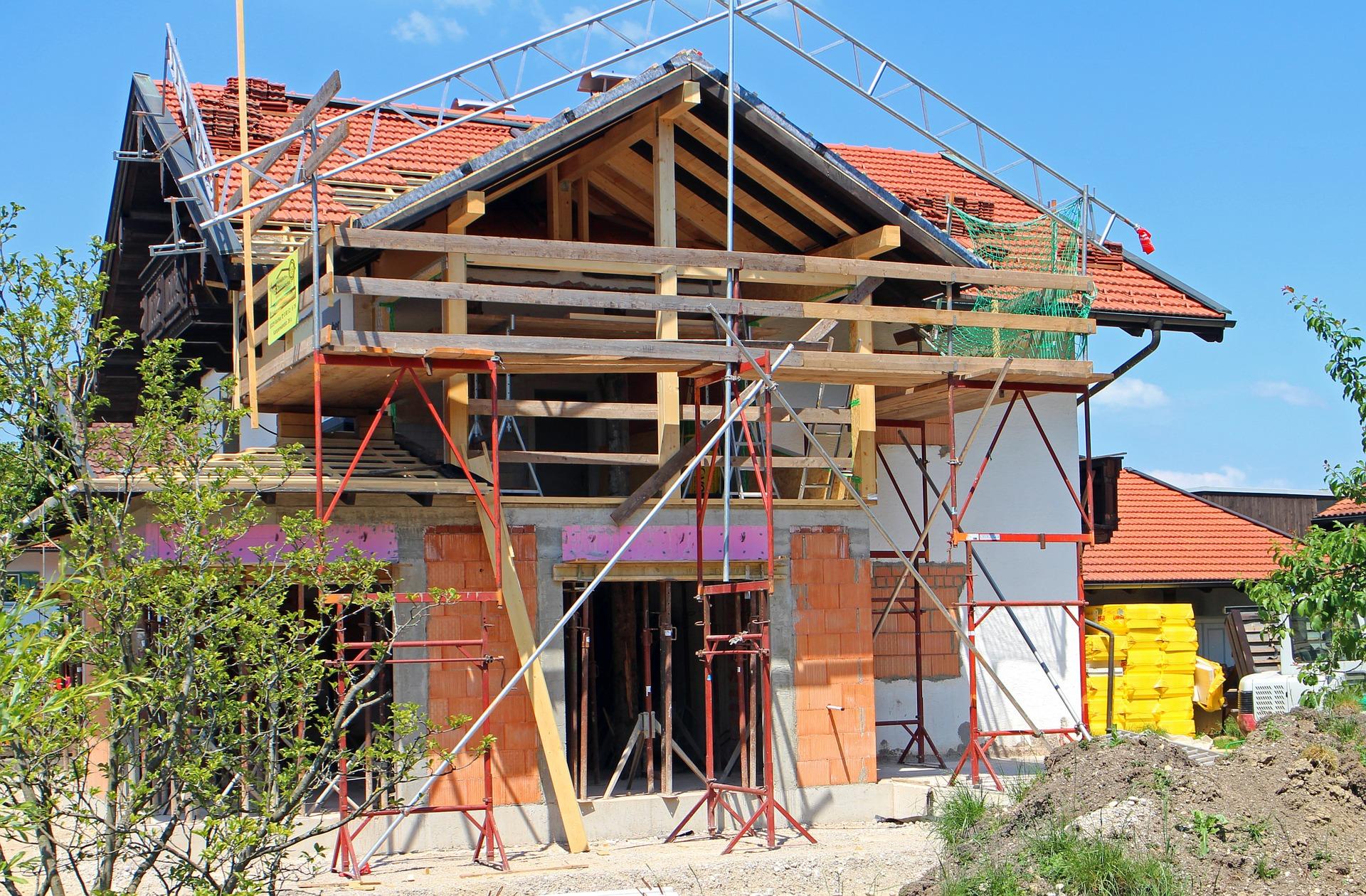 Bauzinsen sind heute so günstig wie nie. Das kann trotz der gesetzlichen Mietpreisbremse für ausreichende Rendite sorgen.  Antrainas (CC0-Lizenz) © pixabay.com