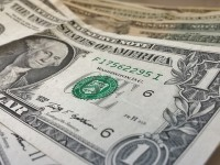 Wie kann man in den US-Dollar investieren?