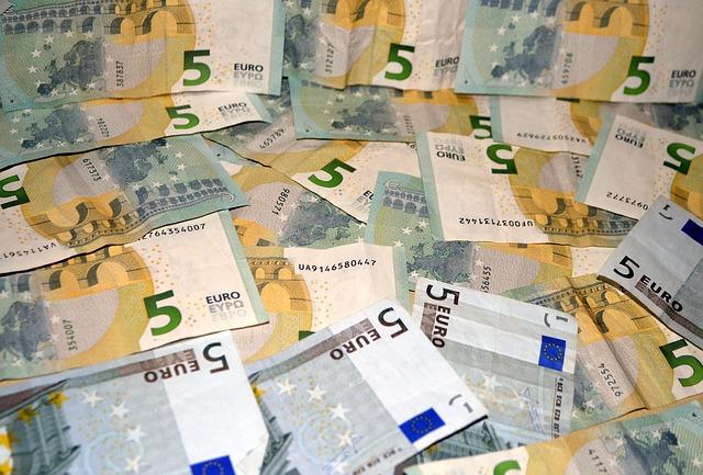 money-269807_640