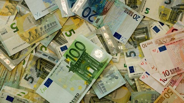 money-482596_640 (1)